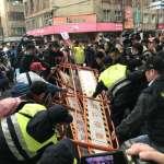 一顆雞蛋引爆翻牆、立院外成戰場!誓死阻擋勞基法修法 民眾與警方爆發激烈衝突