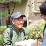 韓133萬老人僅能做臨時工、甚至被迫賣淫!一間快遞公司,竟讓他們全脫離「朝鮮地獄」