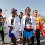 直擊最新跨國淘金路!非洲人擠爆中國馬拉松,越洋選手吐心聲:跑兩次,回老家就能蓋房!