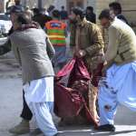 耶誕節前夕禮拜人潮多 巴基斯坦基督教堂自殺炸彈攻擊5死16傷
