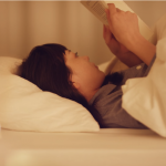 天冷躲被窩明明很舒服,但怎麼躺上床就是睡不著?臨床心理師建議3招解決失眠困擾