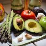 外食族三餐在外,吃不到5色蔬果怎麼辦?營養師:可以先吃這3種顏色