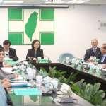 台灣民意基金會民調》民眾反感度藍綠一樣高,好感度卻差超過10%