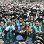 高材生都修什麼課?耶魯大學「這堂課」有1200人塞爆教室!課程意外揭名校生的悲慘過往…