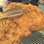 雞排讓你吃下多少致癌物?教你業者不說的真相,如何瞄一眼油鍋、3秒內辨認「回鍋油」