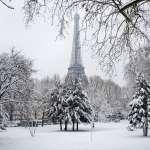 白色巴黎》30年來最大降雪 艾菲爾鐵塔關閉 交通柔腸寸斷 遊客卻興奮直呼「冰雪天堂」!