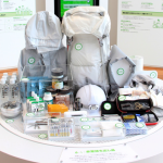 日本人的緊急避難包內容物大公開!竟連能把尿變成果凍狀固定的攜帶型廁所都有