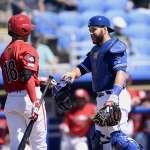 MLB》藍鳥捕手馬丁美技接球 差點跌個狗吃屎
