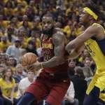NBA季後賽》詹皇賽前送全隊一人一套西裝 激勵全隊士氣