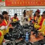 《厲害了,我的國》宣揚「一帶一路」中國夢,非洲鞋廠員工打臉「連副手套都不捨得給」
