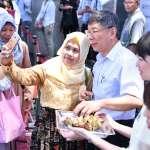 一年一度伊斯蘭教「開齋節」台北登場!柯文哲發冰粽及悠遊卡:期盼台北成為穆斯林友善城市