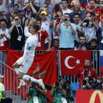 世足戰果》葡萄牙靠C羅頭鎚開胡 摩洛哥成首支遭淘汰隊伍