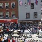 英國王室第一場同志婚禮》女王遠房表親蒙巴頓爵士與男友結連理 前妻要牽他走紅毯