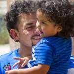 被美國政府拆散的移民家庭》「爸爸我好想你!」38名幼童與父母團聚,還有2千個孩子仍在等待