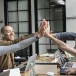 力行「員工和主管互相批評」政策,價值1600億美元的公司用這招讓團隊更強大!