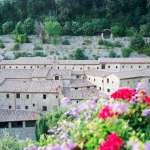 追隨聖方濟各的腳步:出落凡塵的義大利「小室隱修院」
