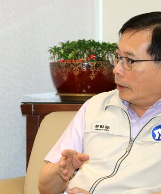 特別企劃》勞動部長郭芳煜:週休二日 加碼加班費提高2.7倍