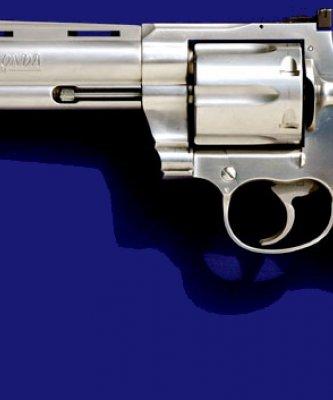 歷史上的今天》2月25日──西部片火拚必備!美國「槍神」柯爾特拿到第一項左輪手槍專利