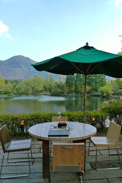 在金鱗湖畔喝咖啡很享受.jpg