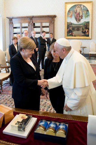 天主教教宗方濟各、德國總理梅克爾(AP)