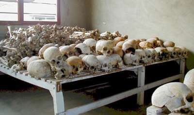 盧安達大屠殺的受害者遺骨,被保存在一所博物館中。(維基百科公有領域)