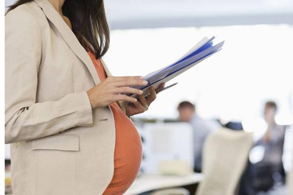 全球33國家允許代孕 台灣何時能有代理孕母?