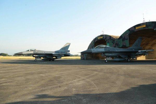 空軍造強化機堡