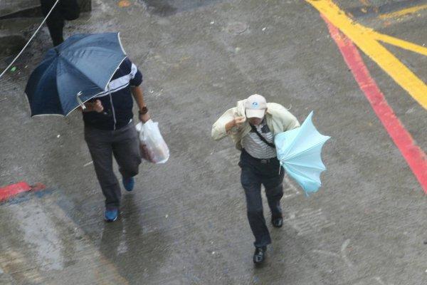梅姬颱風來了