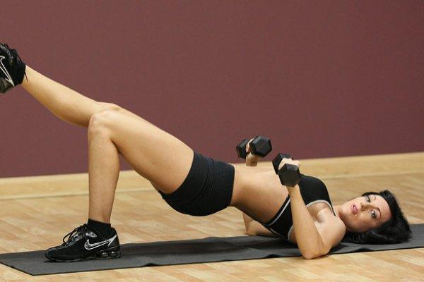 女生重訓不會變金剛芭比?醫師破除迷思:其實女性增長肌肉潛能不比男性差!