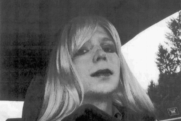 涉通敵被判35年》歐巴馬卸任前2天宣布減刑《維基解密》美國女大兵曼寧今夏重獲自由