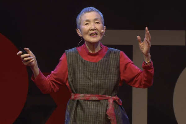 日本歐巴桑真的很棒!60歲開始學電腦、80歲登TED演講,她做的App功能超驚人啊…