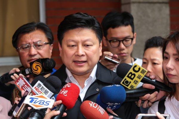 「台北市都沒有進步」傅崐萁:世大運耗資21億蓋籃球場,決賽卻無法使用