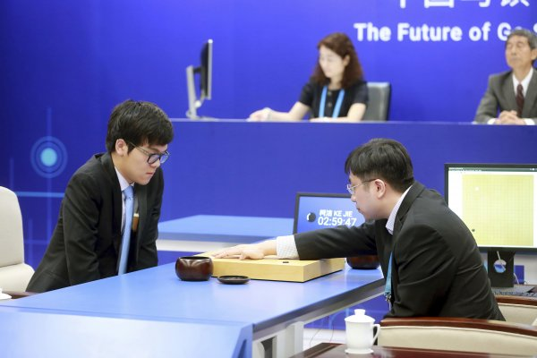 AlphaGo威鎮棋壇