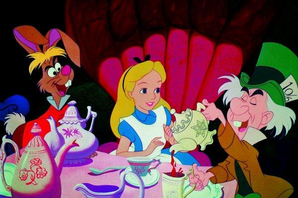 歷史上的今天》7月26日──迪士尼第13部動畫作品 《愛麗絲夢遊仙境》倫敦首映