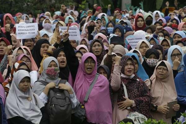 因姦成孕,早產有罪?!印尼15歲少女遭哥哥性侵懷孕,竟因「墮胎罪」遭判刑