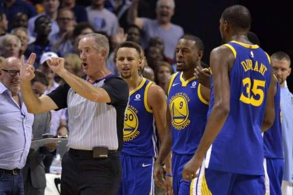 「咖哩」怒摔牙套代價幾何?NBA名將柯瑞挨罰152萬