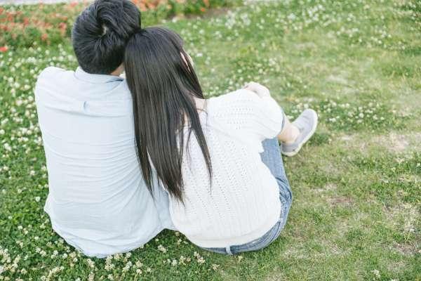 為何異國戀往往會失敗?他道出愛情最寫實一面,遠距離的感情缺少「這個東西」