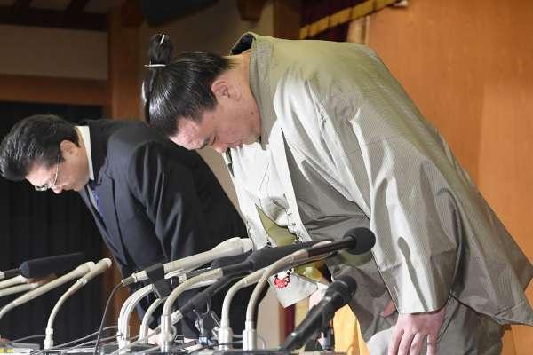 「前輩在訓話,你滑什麼手機!」日本前代橫綱力士「管教」師弟 致頭蓋骨骨折遭法辦