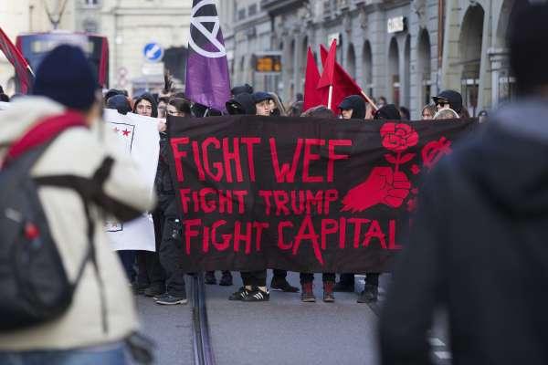 川普放話參加世界經濟論壇  500位憤怒的瑞士人示威抗議