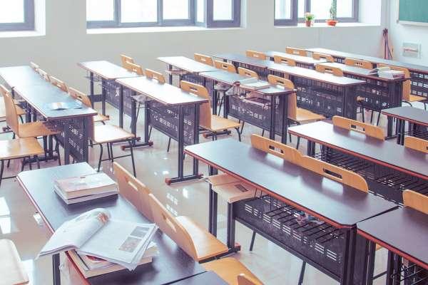 當「認真讀書」成奢望:偏鄉教師看盡無奈,揭開「難教」孩子背後身不由己
