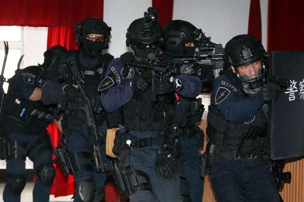 「沒有一發霰彈不能解決的事」南非武官劫持案、張錫銘槍戰 警方神秘部隊「維安特勤隊」現身