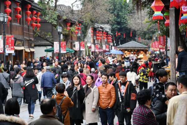 購物花掉9260億,旅遊花掉4750億……「數」說今年中國春節消費
