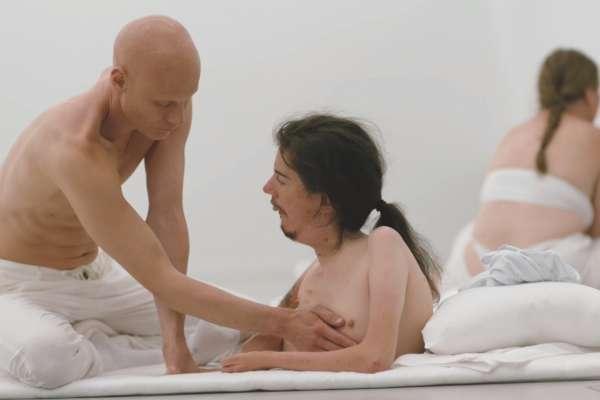 探索身心缺陷者情欲世界,裸露挑戰道德禁忌《禁身接觸》爭議中拿下柏林影展金熊獎