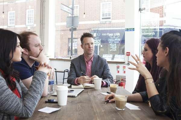 如何讓老闆「看到你」?這7個想法讓你成為升遷的第一首選!