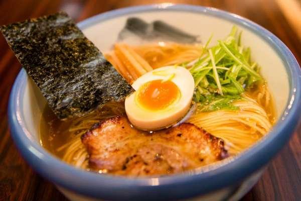大受歡迎真的不是沒道理!東京這9家美食太驚人,CP值高又新鮮,去玩不吃肯定會後悔!