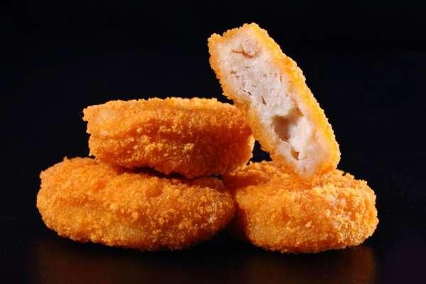 麥克雞塊為何做成「4種不同形狀」?外皮加了啥才外酥內軟?揭開美味雞塊的身世之謎…