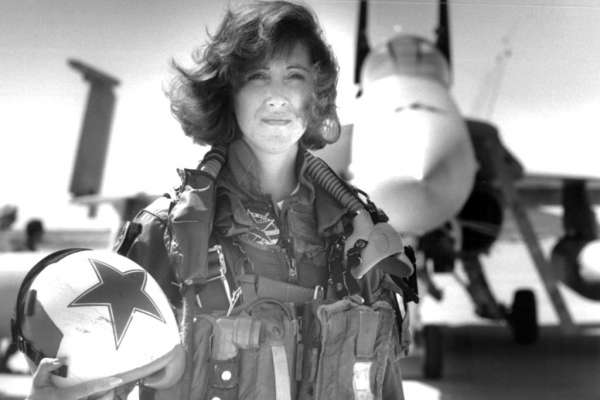 新美國英雄・誕生—帶領143位乘客逃出生天的女機長舒爾茲