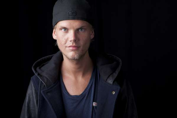 年年躋身世界百大DJ,流星般竄升又殞落 瑞典電音巨星艾維奇驟逝