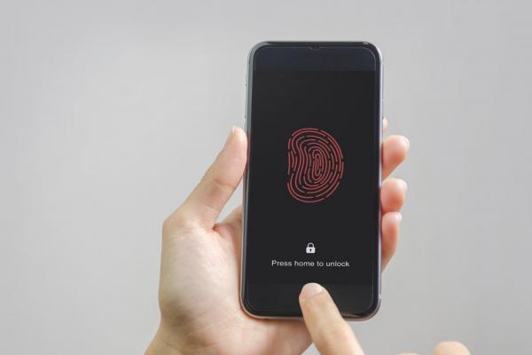 死者還有隱私權嗎?為辦案拿屍體指紋解鎖手機,又為何行不通?專家解開背後原因…