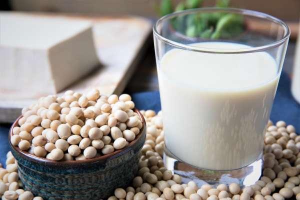 鮮奶只能放幾天,為何豆漿放13天都不會壞?難道有加防腐劑?專家這樣說…